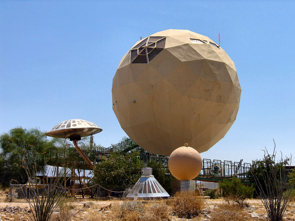 Geodesic space house